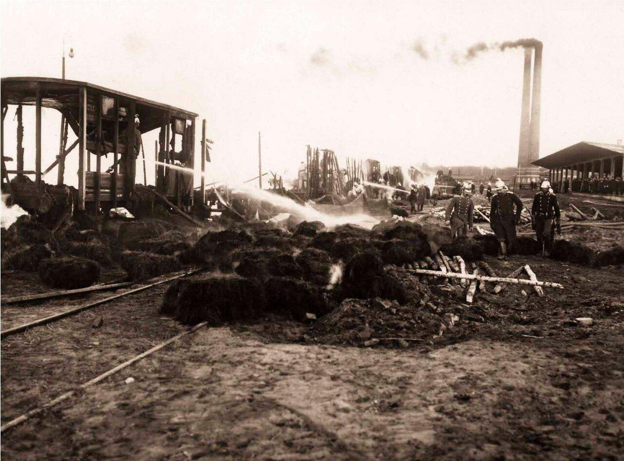 1910. Пожар петербургской товарной станции.