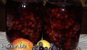 Компот из винограда, яблок и лимона