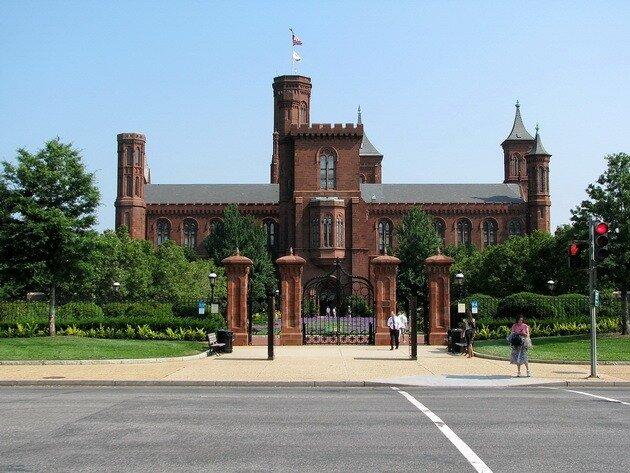 Смитсоновский институт. Национальная аллея.