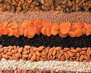 В Приморье возвращена за рубеж крупная партия импортных орехов и приправ