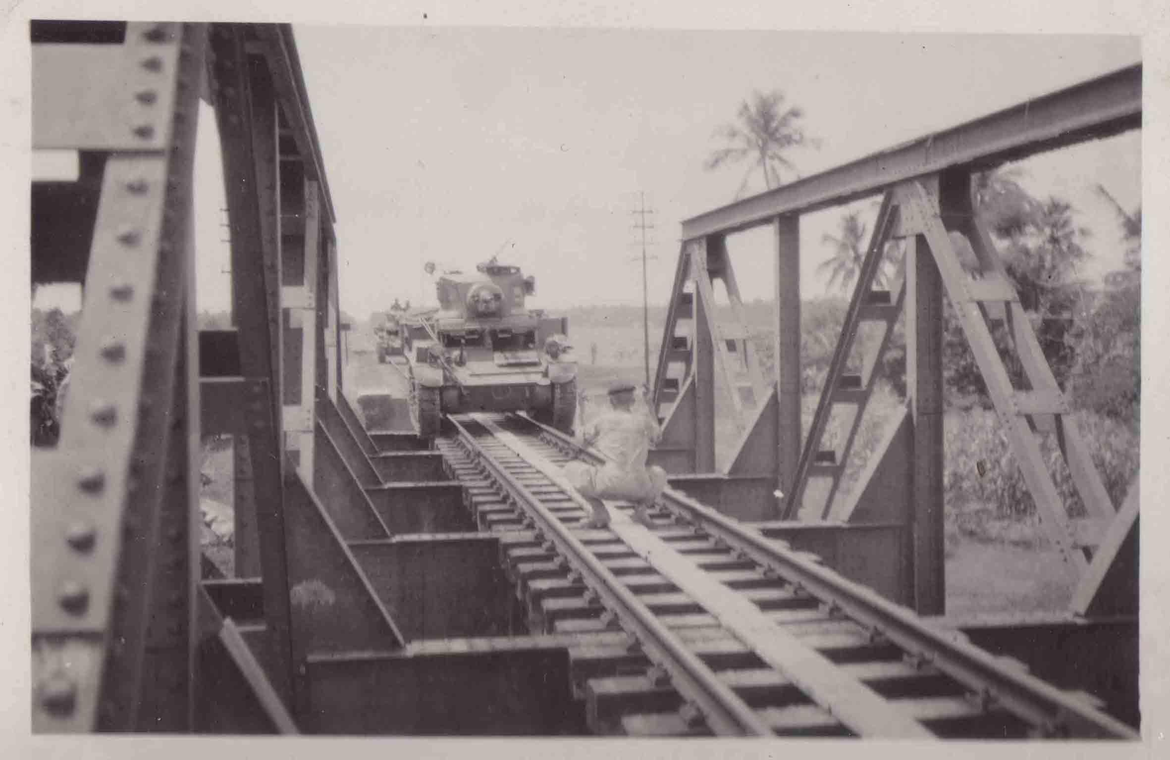 over-de-spoorbrug-.jpg