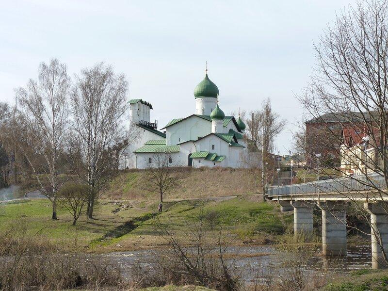 Псков. Церковь Богоявления с Запсковья (апрель 2014)