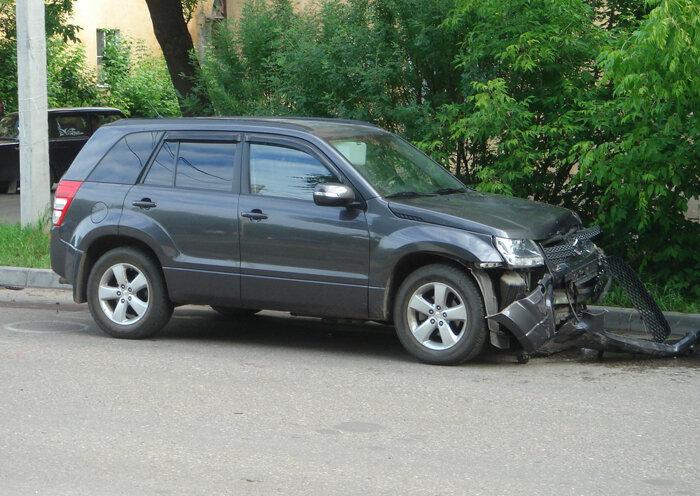 """Сегодня около 7.30 произошло очередное ДТП на. перекрёстке """" Твери- улиц Богданова и Тамары Ильиной."""