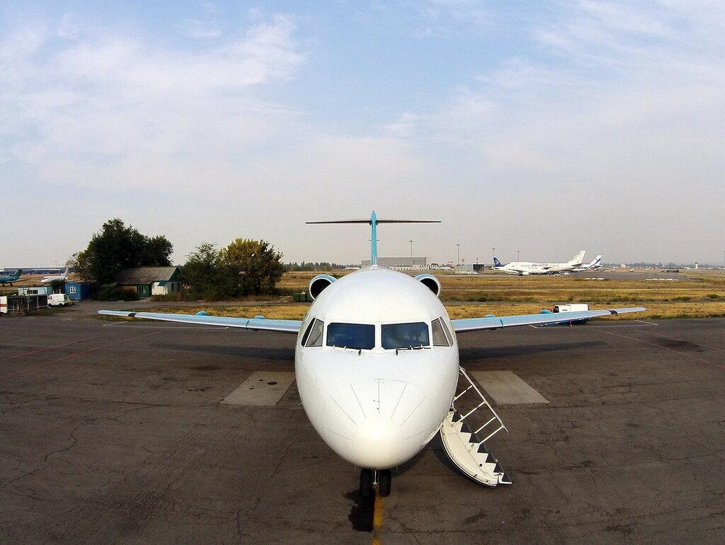 Fokker-100-1.jpg