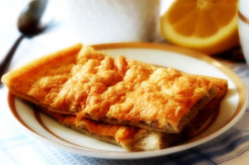6. Яблочный омлет Ингредиенты: яйца куриные — 4 штуки; яблоко — 1 штука; крахмал картофельный — 2 ст