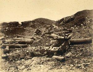 Разрушенные орудия Корниловского редута