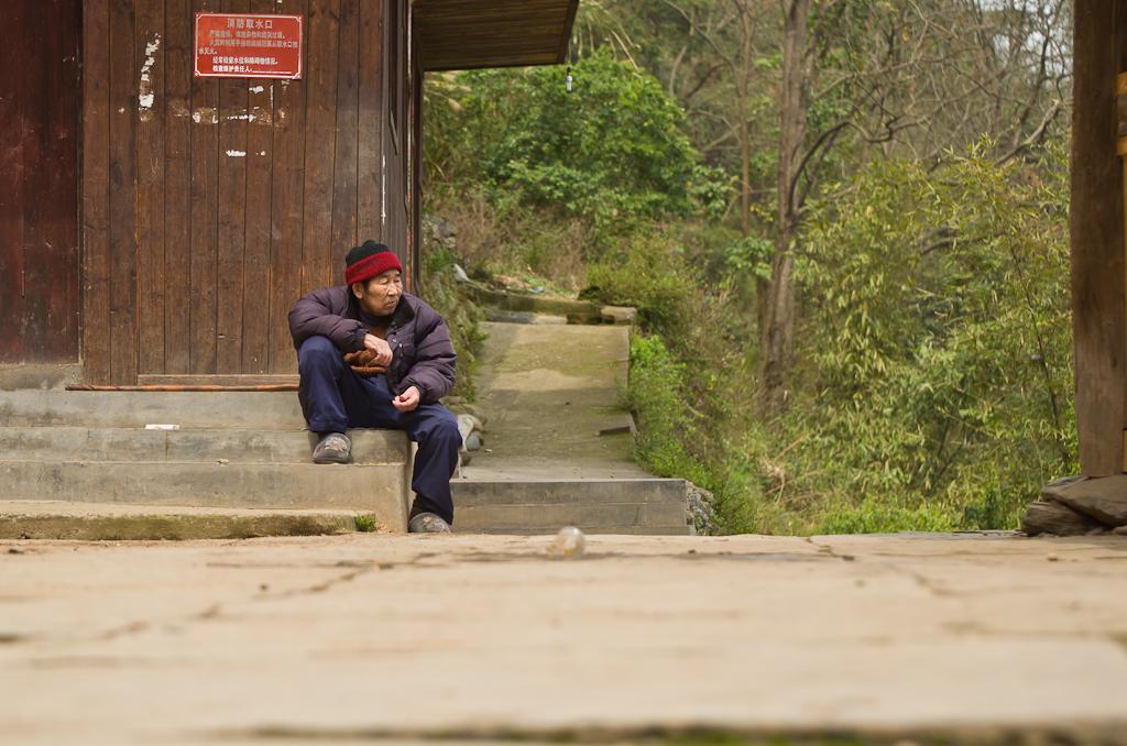 3. На завалинке. Поездка в регион Ченъян (Chengyang) в Китае. Отзывы о самостоятельном путешествии.