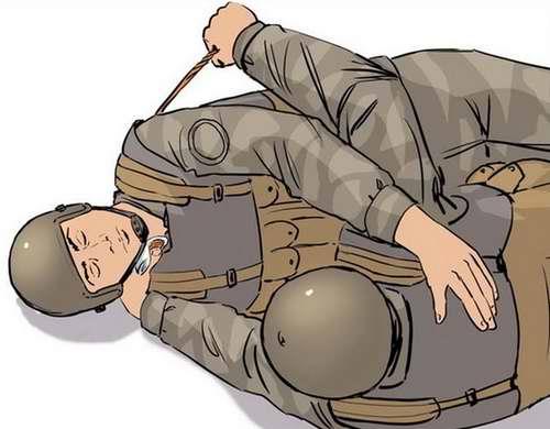Ранение в шею - Положить руку раненого на свое плечо