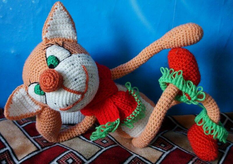 Мягкая вязаная игрушка Кот в сапогах