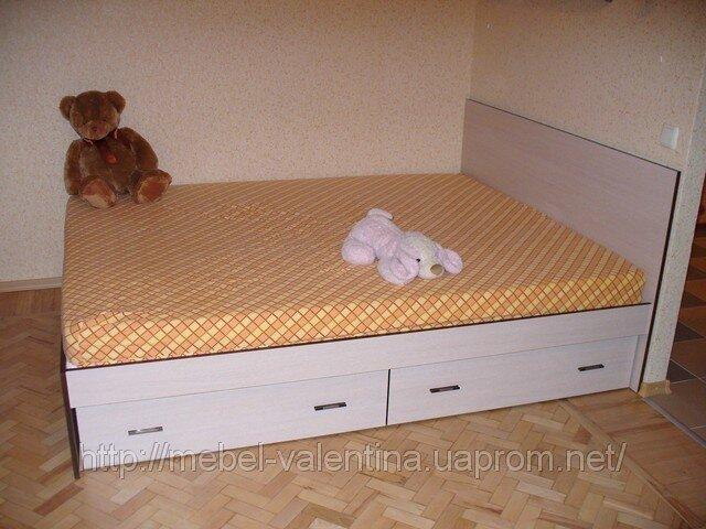 Двухспальная кровать с ящиками для белья в Харькове.  Кровать изготовлена по индивидуальному проекту...