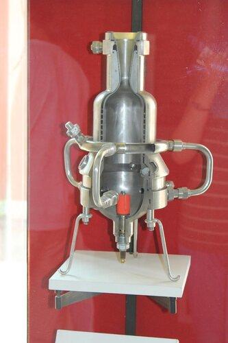 Опытный жидкостный ракетный двигатель ОРМ-65