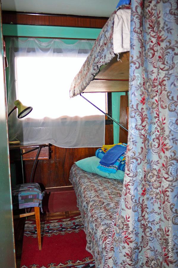 Двухместная двухъярусная каюта №15 на средней палубе теплохода «В.М.Зайцев»