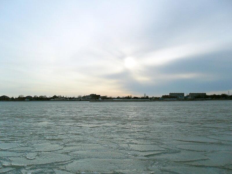 На льду Ахтарского залива