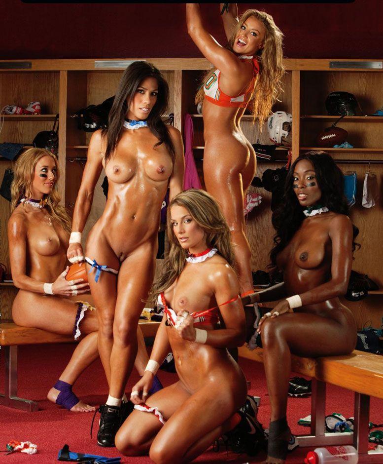 12 найсексуальніших вболівальниць влаштували еротичне шоу