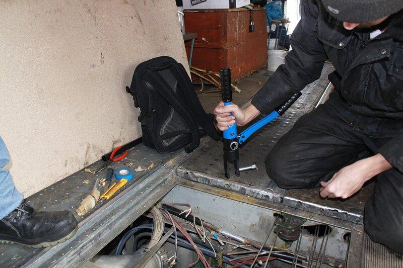 Ремонт разрывов силовой проводки Ил-14Т