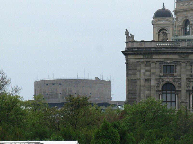Вена. Башня ПВО L-2. Wienn. Flakturm. Air  defence tower G-2.