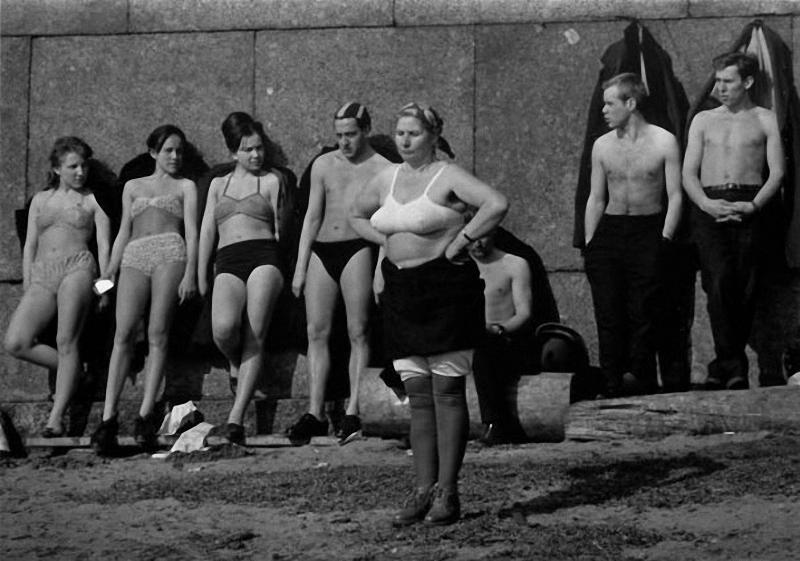 Colin Jones, sun bathing, Leningrad, 1964.jpg