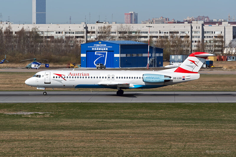 Fokker 100 (OE-LVH) Austrian Airlines D804140