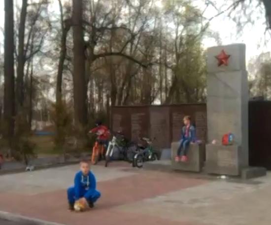 http://img-fotki.yandex.ru/get/5303/225452242.1b/0_12f423_177c536c_orig