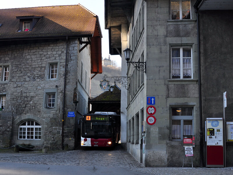 fribourg guys The fribourg–farvagny trolleybus system ( french : train sans voie de fribourg–farvagny ) was a pioneering interurban trolleybus line in the canton of fribourg , switzerland between 1911 and 1932.