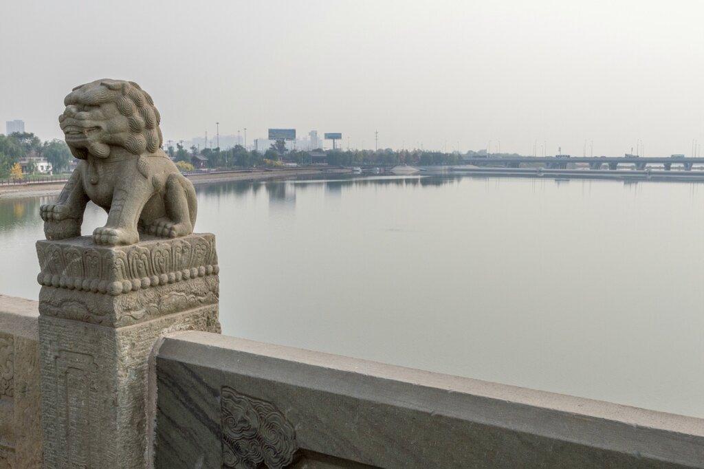 Мост Лугоу и река Юндин