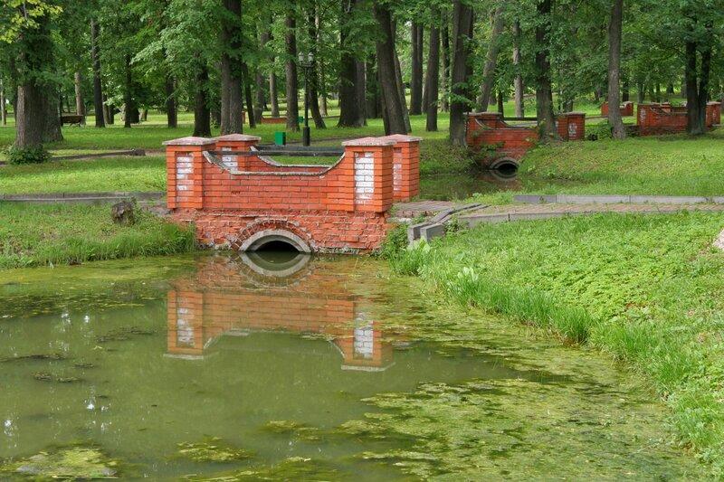 Марфино, Протоки и мосты в парке