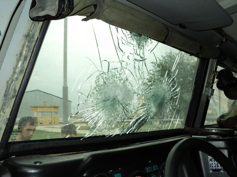 Итак, почему пуленепробиваемые стекла способны останавливать пули?