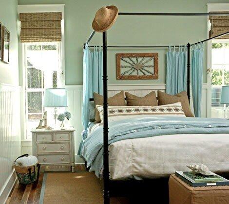 голубая салатовая спальня