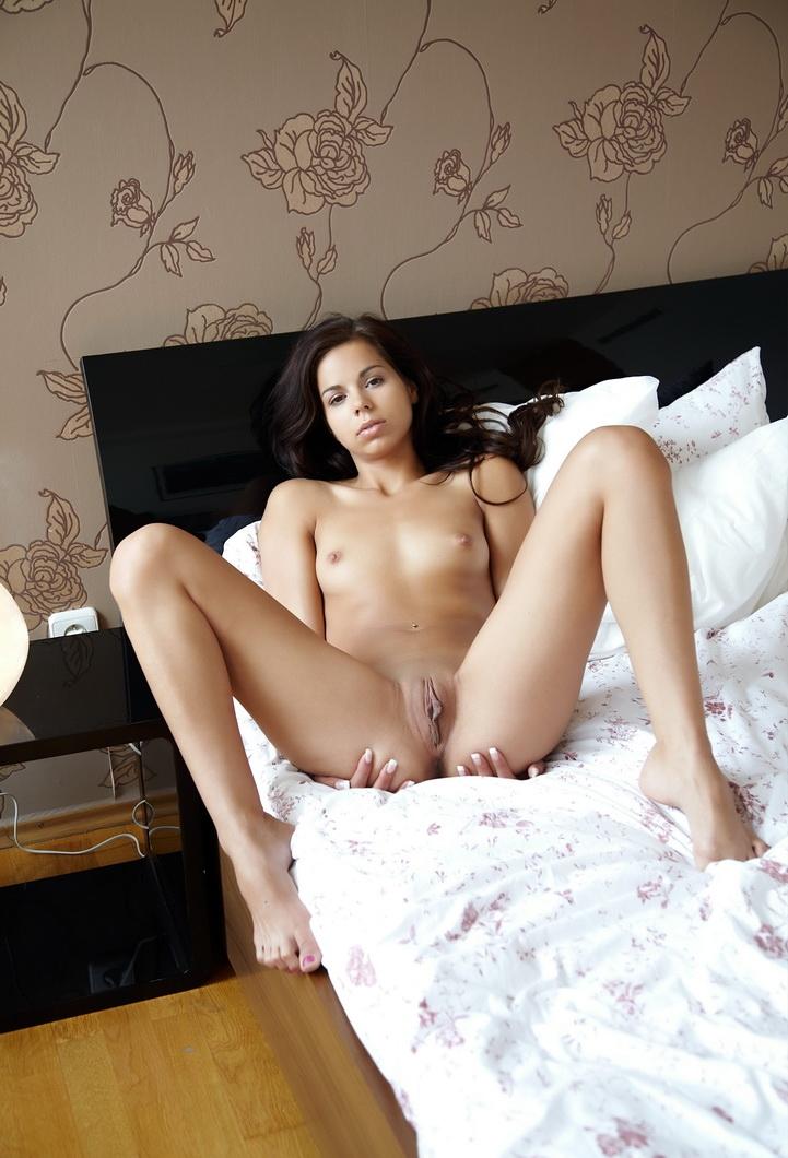 Проснулась в номере одна... (20 фото)