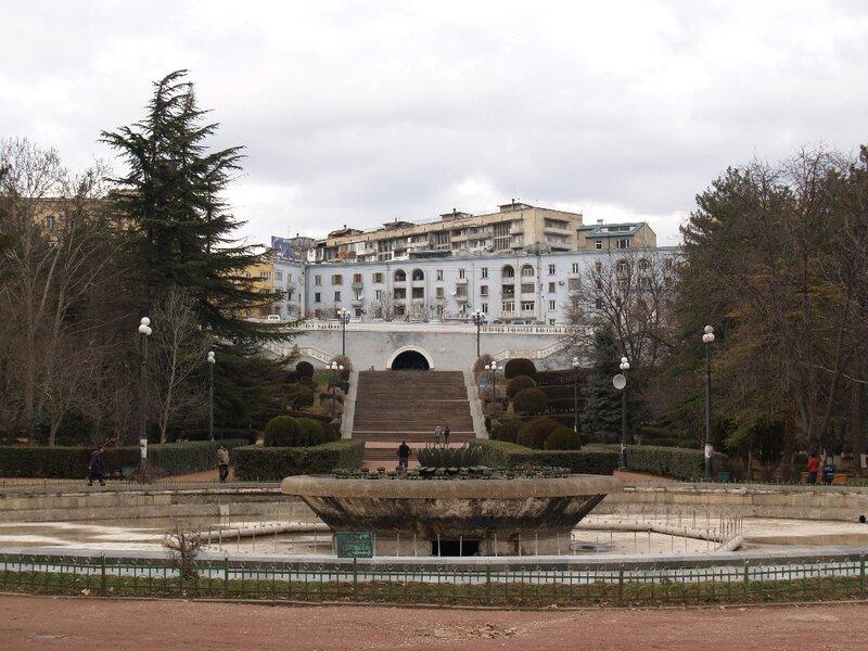 Вид из парка на Чавчавадзе