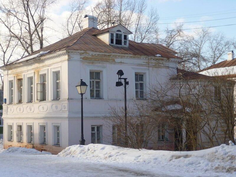 Крутицкая улица и ее переулки. Часть 4.