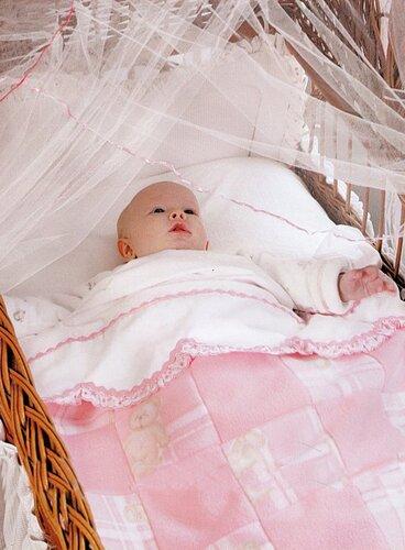 Розовое детское одеяло, сшитое своими руками