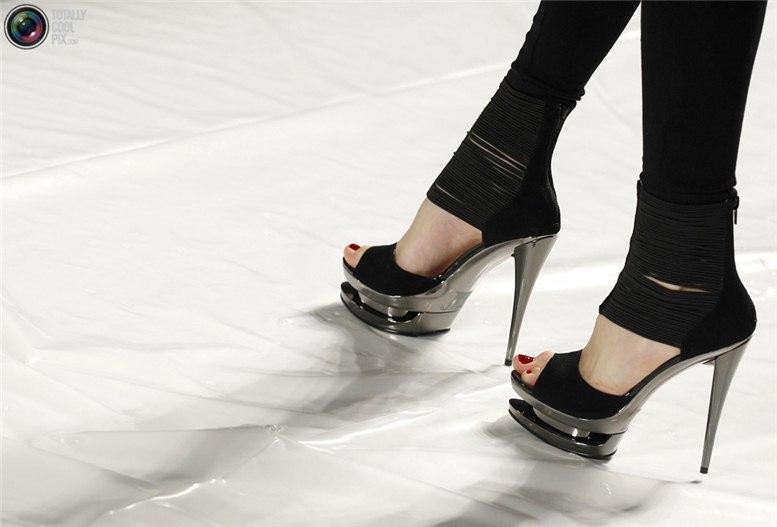 За кулисами недели моды / New York Fashion Week 2011 backstage
