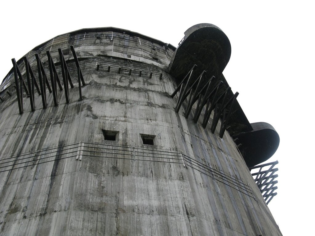 Вена. Башни ПВО парка Аугартен. Wienn. Flakturm. Air  defence tower