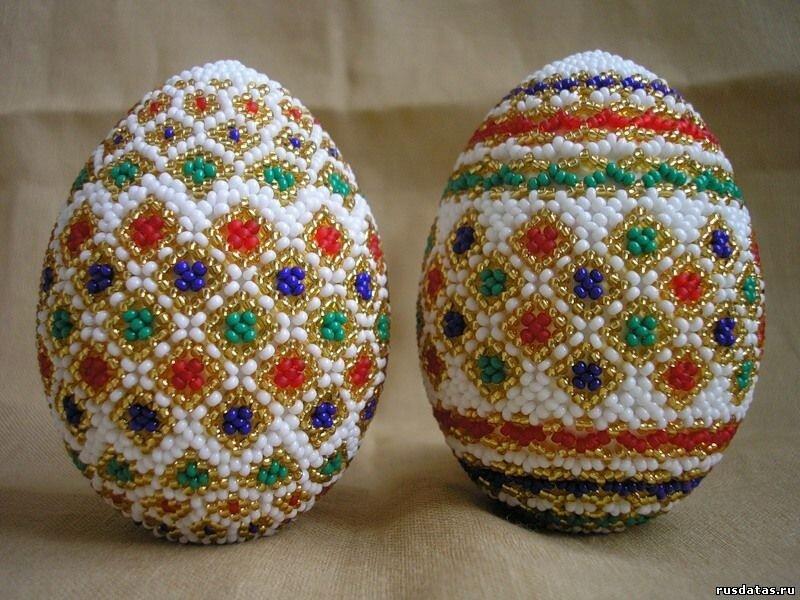 Яйца из бисера; Вышивка бисером и паетками .  О нашем фото-сайте - Инфо бисер...