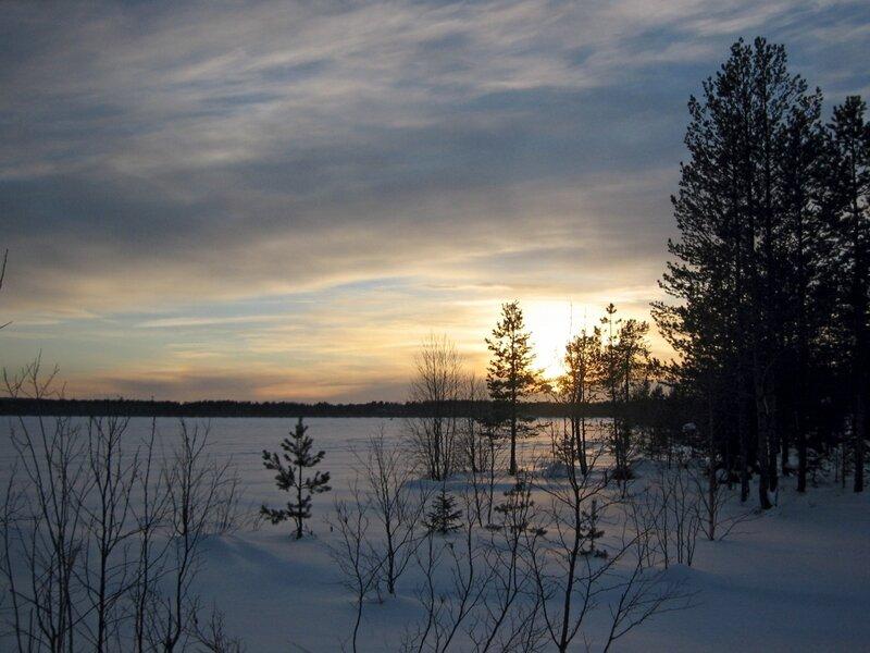 Закат у озера