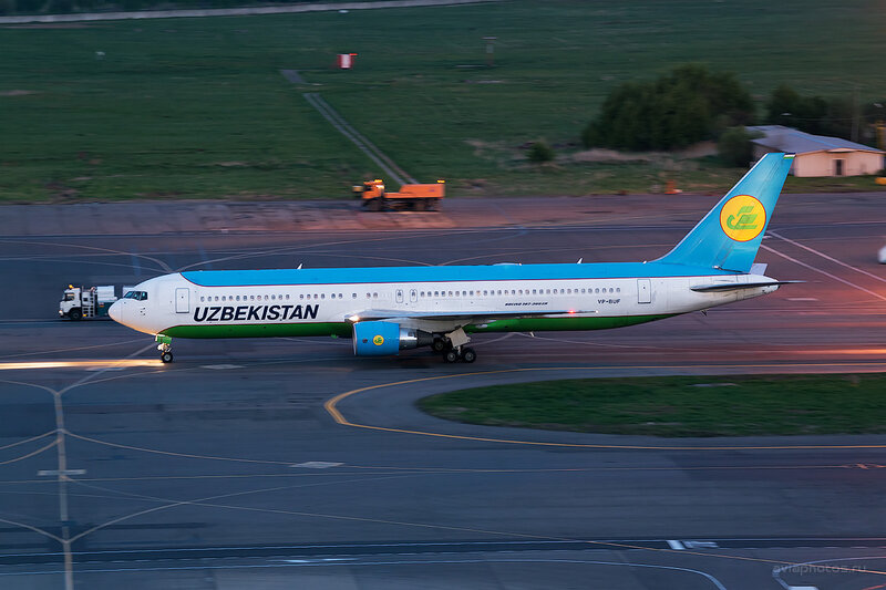 Boeing 767-33P/ER (VP-BUF) Uzbekistan D804831