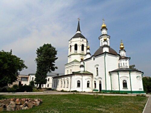 Казанская церковь Богородице-Алексеевского мужского монастыря