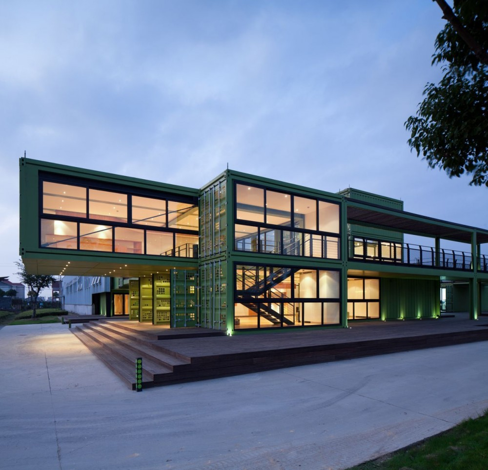 shipping-containers-architecture-tony-s-farm-playze-10.jpg