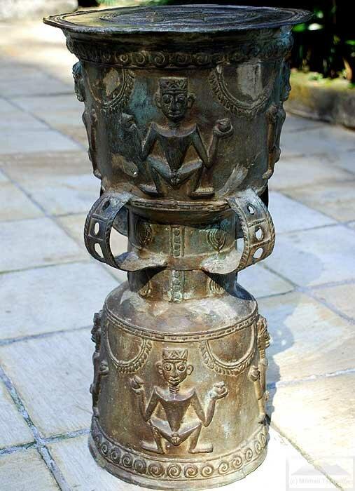 Донгшонский барабан на Бали