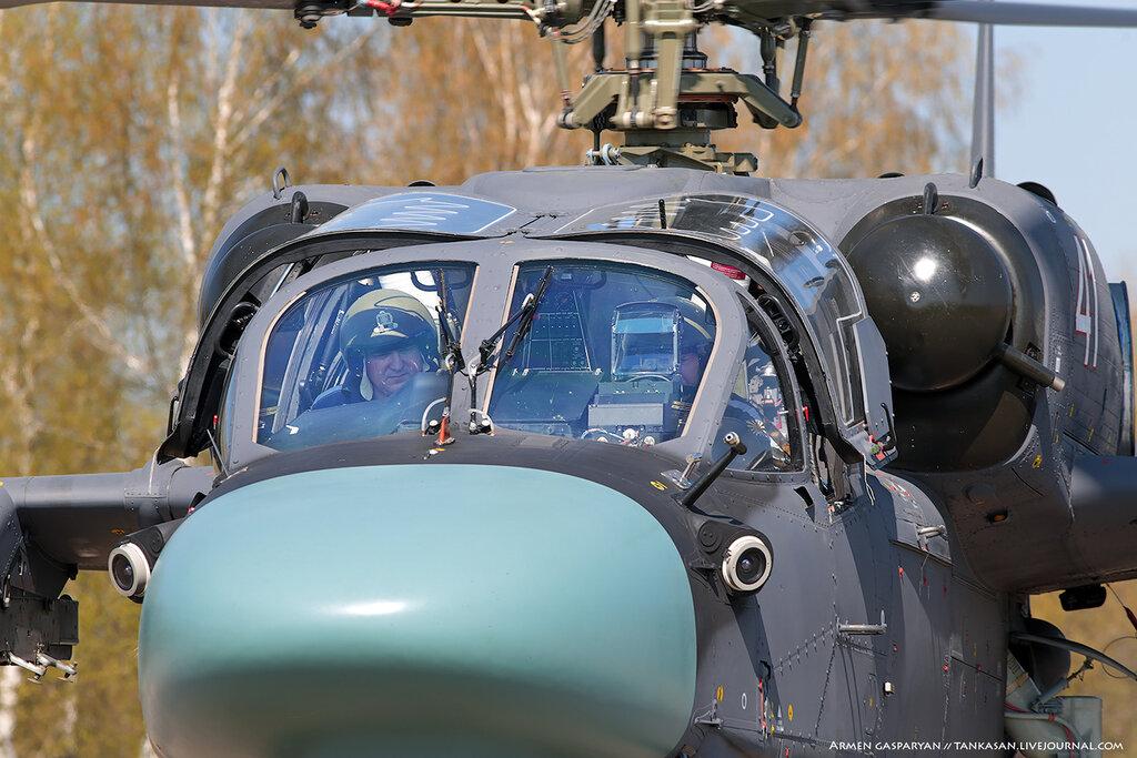 Вертолёты над Кубинкой ...