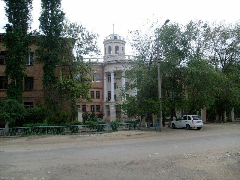 Пугачёвская, 1