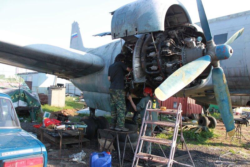 Работы на моторе Ил-14Т