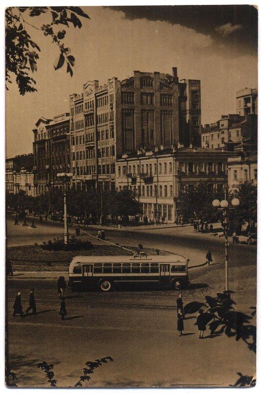 Площадь им.Сталина (Г.Угринович).jpg