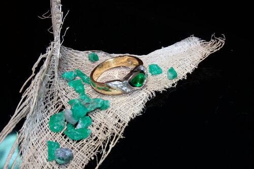 кольцо с изумрудом.jpg
