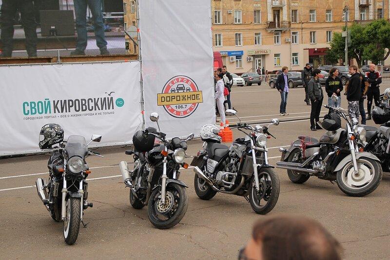мотоциклы на мотослете «Союз Счастливцев»