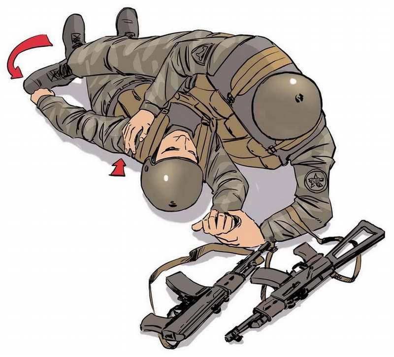 Правила поворота раненого на живот для транспортировки в укрытие - 2