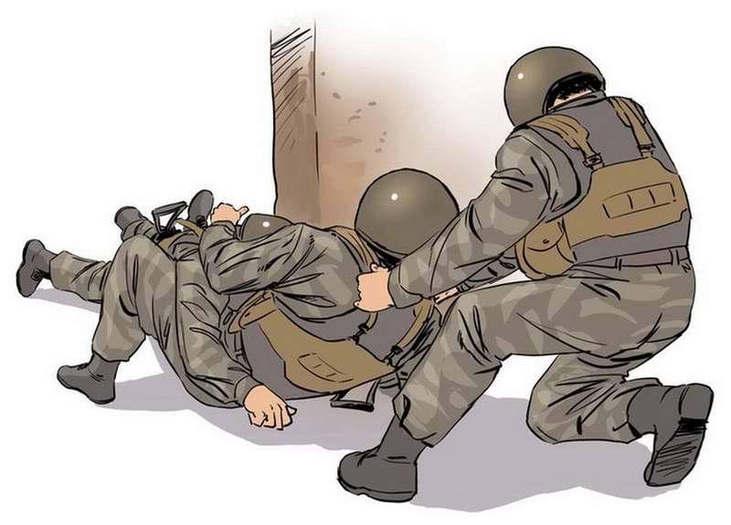 Правила быстрого втаскивания раненого и спасающего бойцов в укрытие