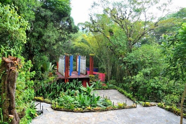 Парк сюрреалистичных скульптур Las Pozas. Мексика