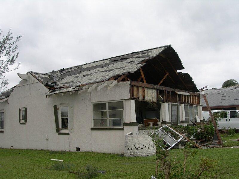 Один из домов во Флориде после урагана Вилма.